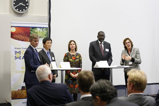 Launching the Global Centre of Excellence on Climate Adaptation. L-R: Erik Solheim, Executive Director, UN Environment; Yasuaki Hijioka, Director, National Institute for Environmental Studies, Japan; Cora van Nieuwenhuizen, Minister of Infrastructure and Water Management, the Netherlands; Elhadj As Sy, Secretary General, International Federation of Red Cross and Red Crescent Societies; and Vivienne Parry, Genomics England